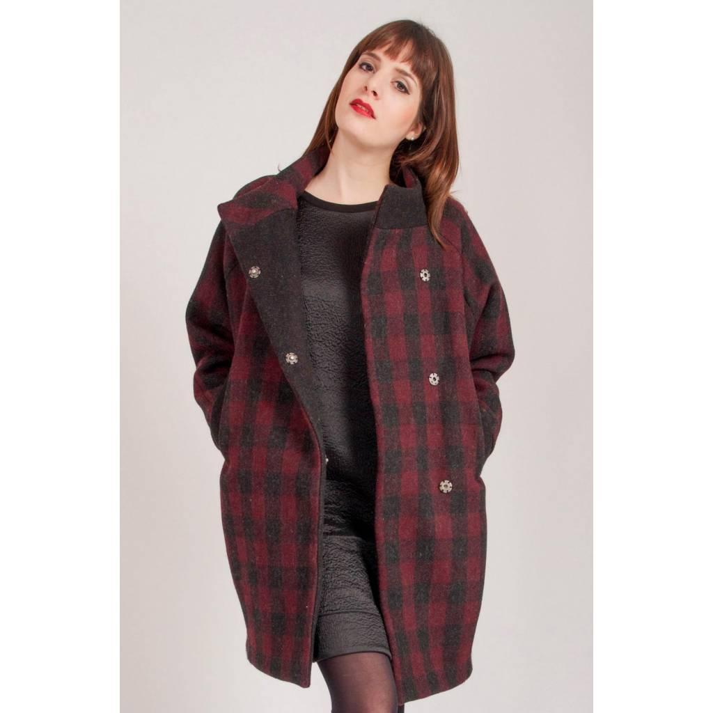madeva paris manteau cara carreaux gris prune cr ateur de mode en s rie tr s limit e. Black Bedroom Furniture Sets. Home Design Ideas